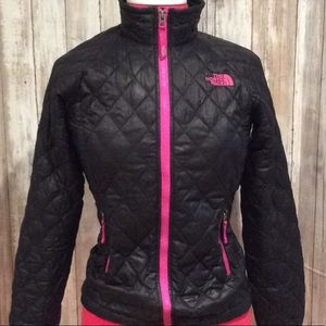 "GREAT CONDITION, ""THE NORTH FACE"" SKI JACKET"